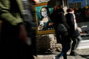 """Mobile World Virus"", pintura callejera del artista italiano Tvboy"