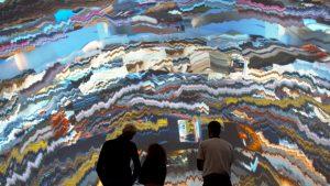 """Video instalación """"Geogylphs"""", The Rodina en Taller de Ideas. Fuente : MMMAD"""